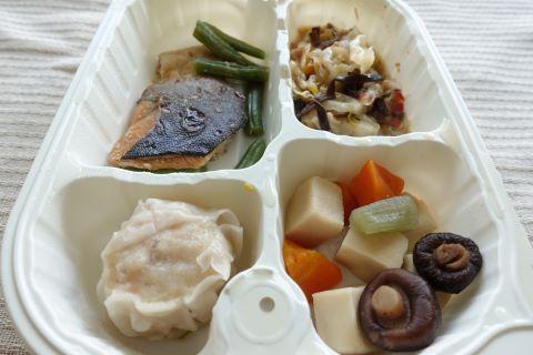 鮭の胡麻風味焼き